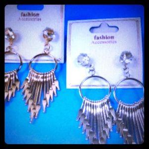 NEW IN!!! HOT Style earrings